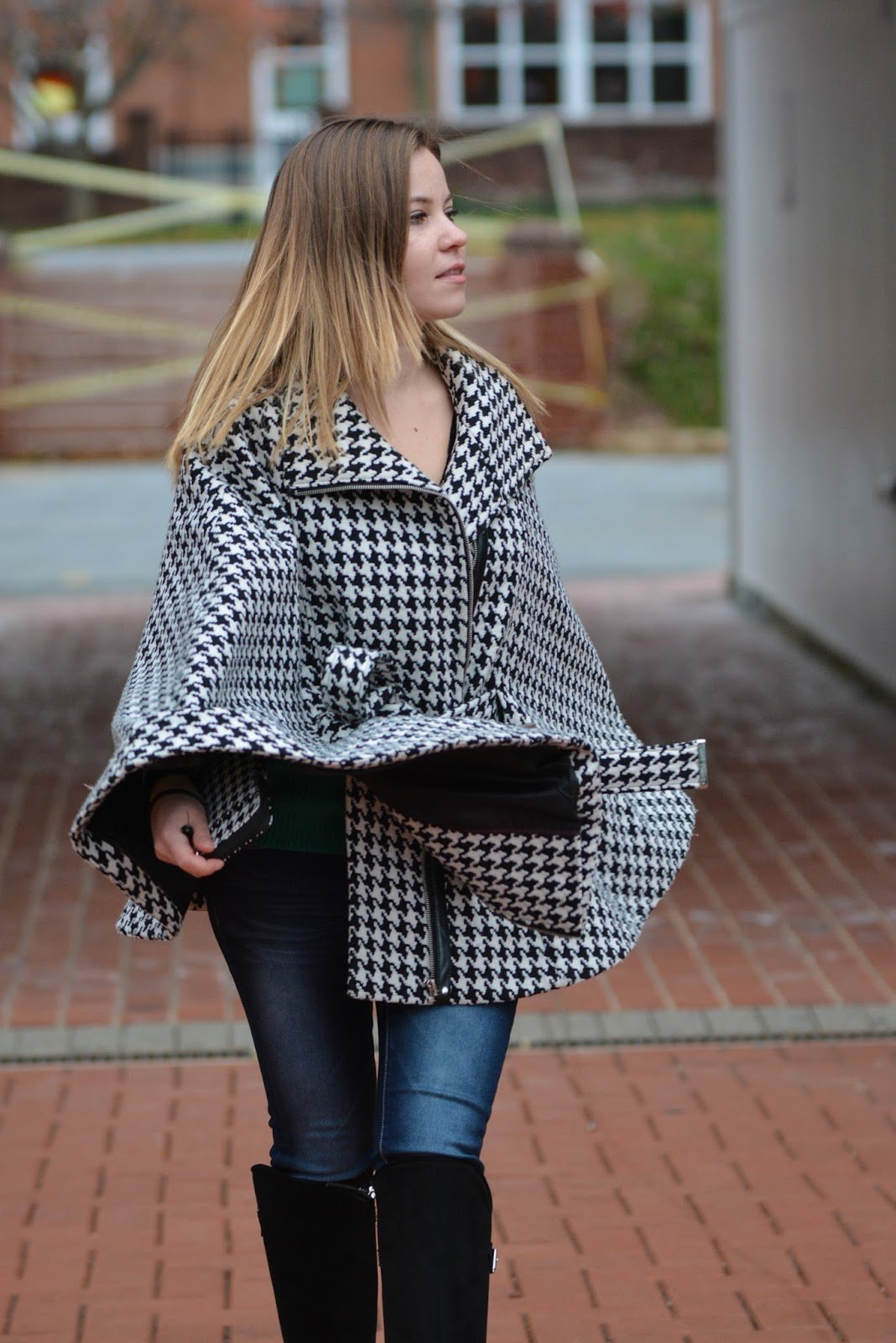 Oversized houndstooth jacket paired for fall outfit
