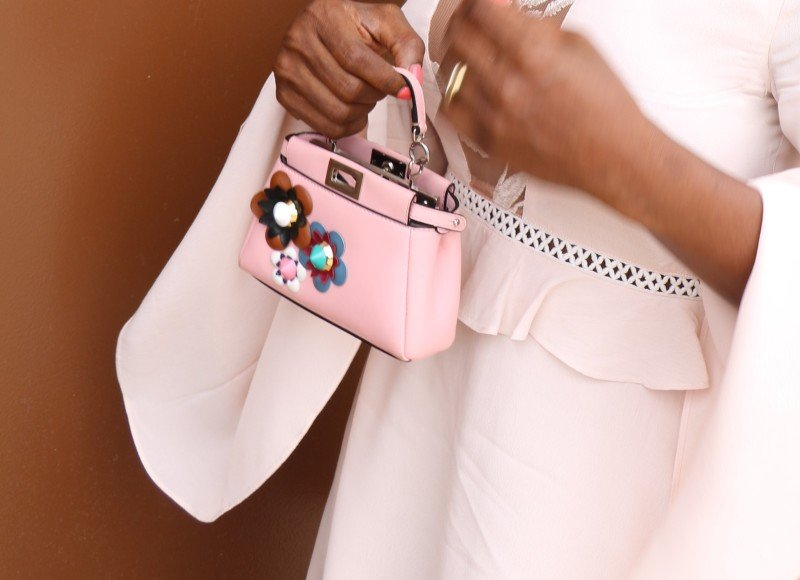 Micro pale pink bag trend